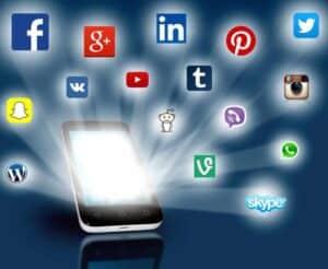 Facebook, Xing & Co. Einsatz im Arbeitsverhältnis erzwingbar