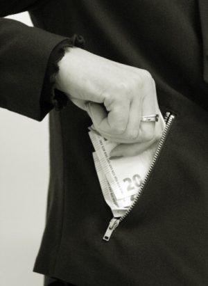 Trotz Arbeitszeitbetrug: Fristlose Kündigung unwirksam!