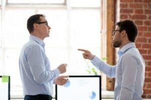 Benötigen Sie weitere Informationen zum Thema Abmahnung für respektloses Verhalten am Arbeitsplatz?